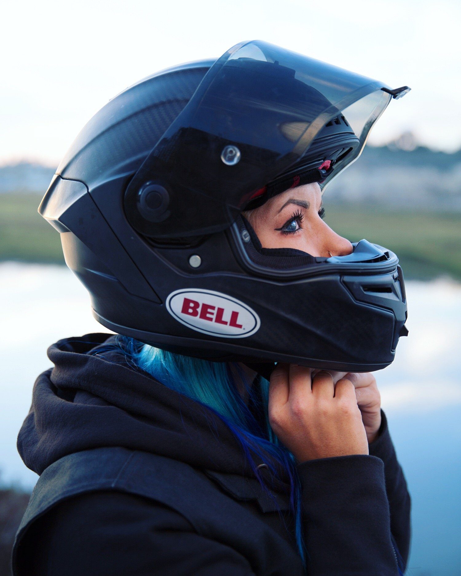 ALL-NEW BELL RACE STAR HELMET REVIEW