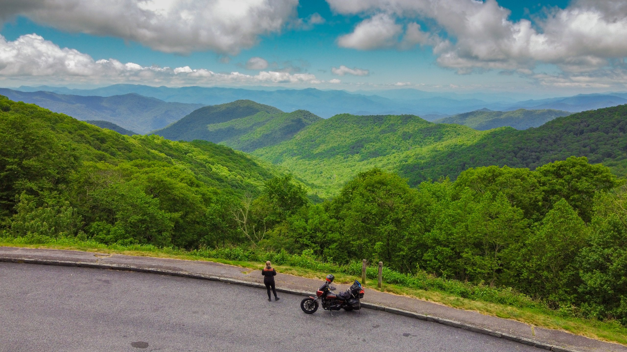 The Best Motorcycle Roads of the Smoky Mountains (That You Can Ride in One Weekend!)